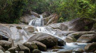 亚瑟顿高原瀑布一日游